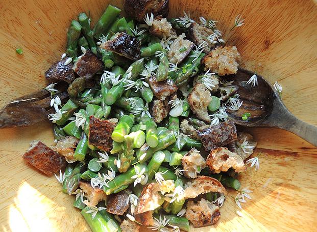 asparagus_panzanella3